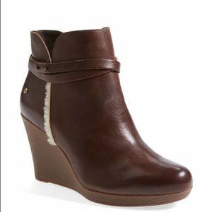 Ugg Women Alexandria Short Brn Leather Bootie SZ 9